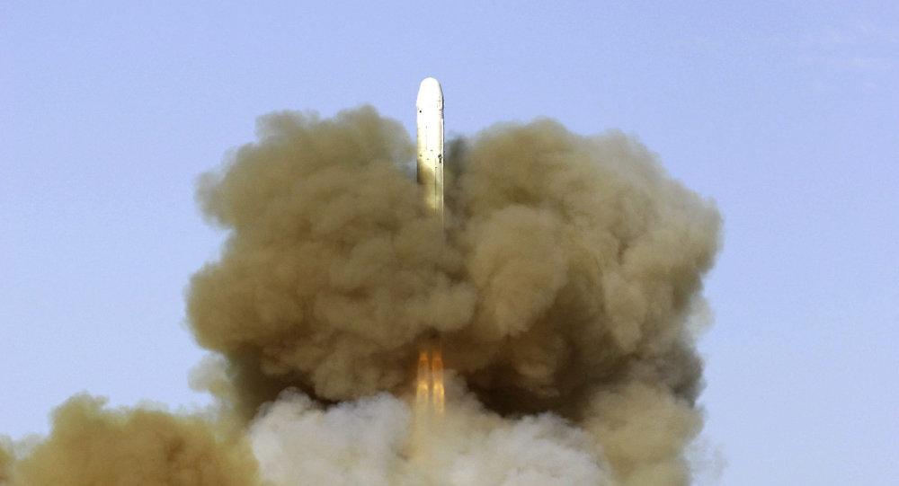 Start balistické rakety RS-18