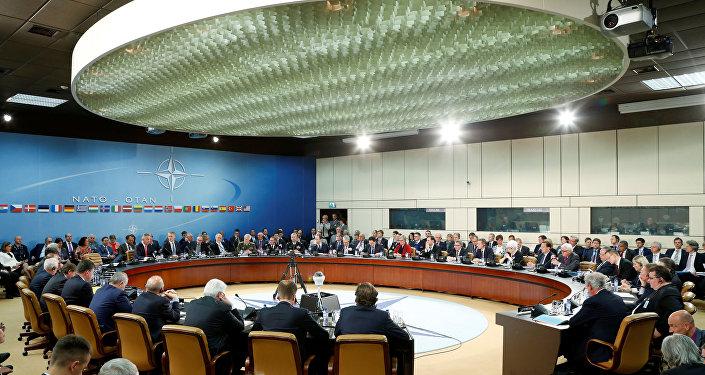 Zasedání ministrů zahraničí a náčelníků generálních štábů zemí NATO