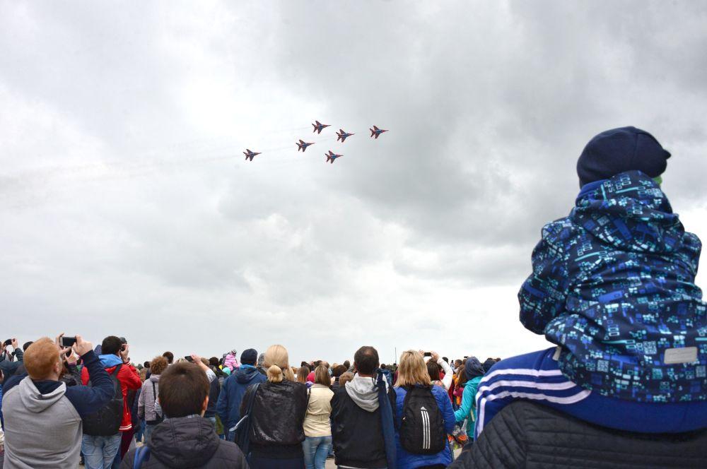 Skupiny letecké akrobacie Russkije viťazi a Striži: 25 let