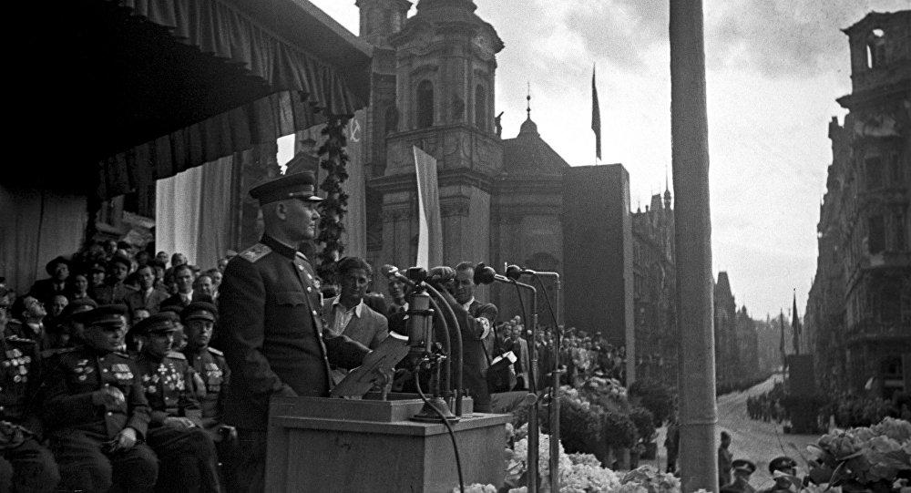Maršal Koněv v Praze. 1945.