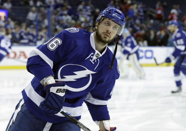 Ruský hokejista, útočník klubu Tampa Bay Lightning Nikita Kyčerov