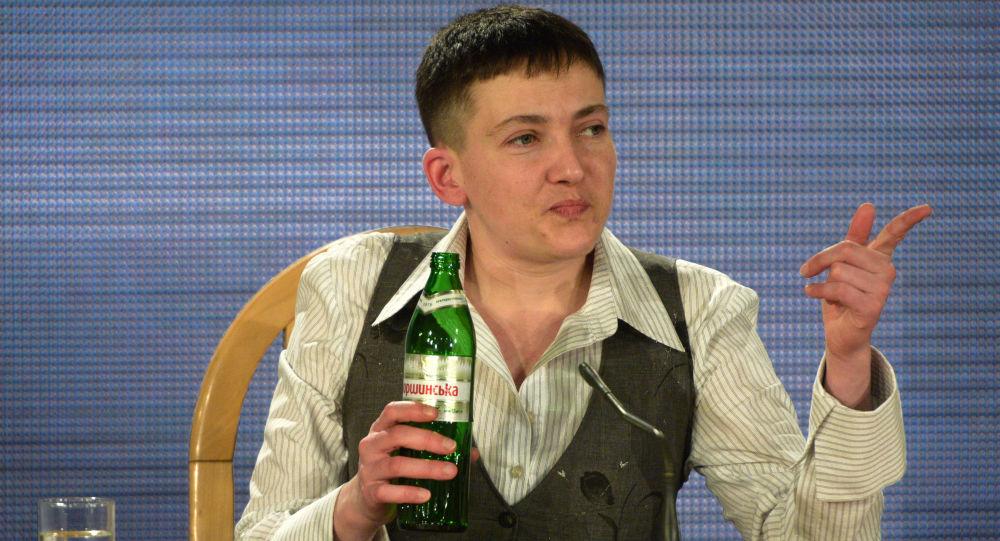 Nadija Savčenková na tiskové konferenci v Kyjevě