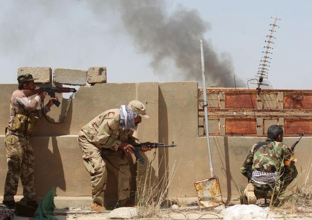Iráčtí vojáci ve Fallúdži