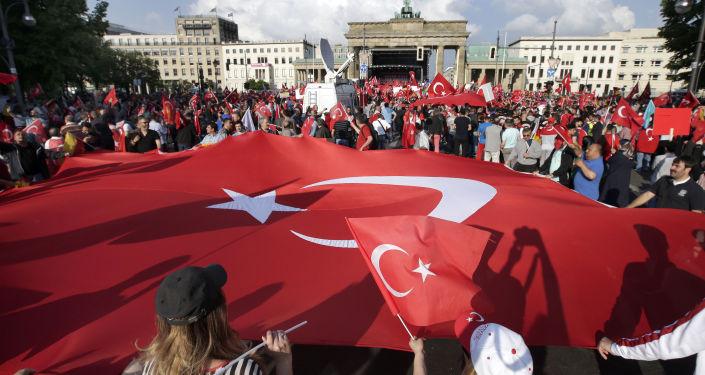 Turecká vlajka v Berlínu