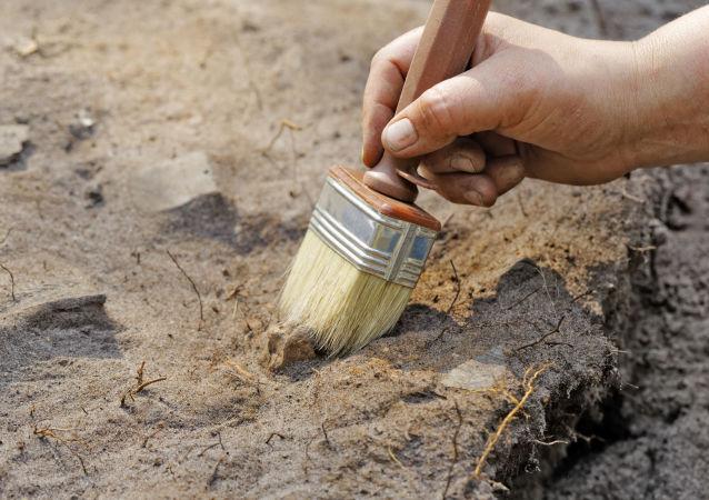 Archeologické vykopávky. Archivní foto