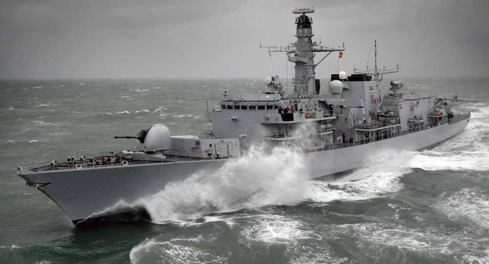 Britská fregata HMS Kent F78