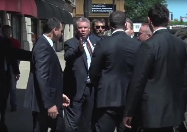 Erdoganovi strážci se pohádali s Američany o místo u prezidentova auta
