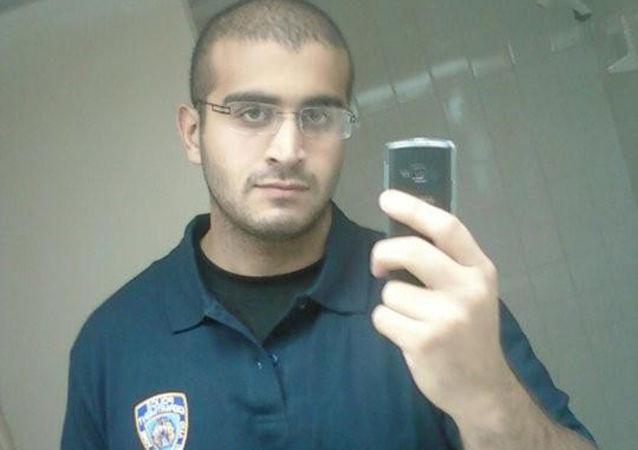 Omar Mateen, který učinil masovou střelbu v nočním gay klubu Pulse v Orlandu