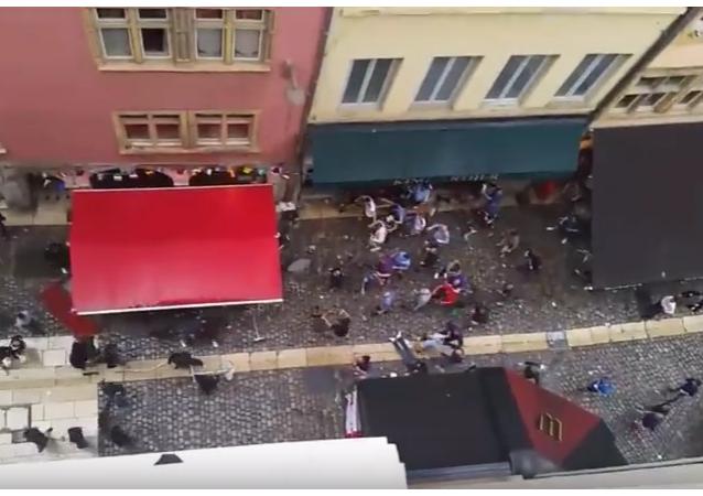 V Lionu se angličtí fanoušci poprali s francouzskými