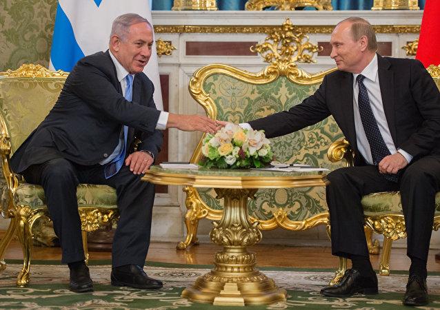 Benjamin Netanjahu a Vladimir Putin