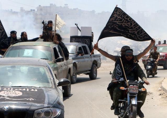 Bojovníci Fronty an-Nusrá v Sýrii