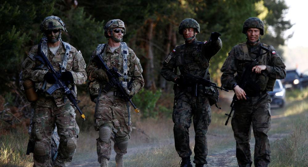 Polští a američtí vojáci v Polsku