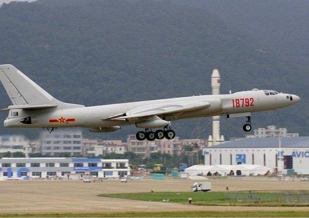 Čínský strategický bombardér H-6K