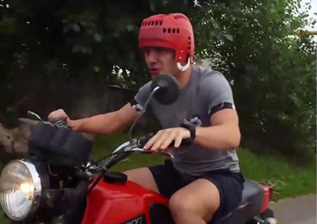 Jak tráví dovolenou nejlepší mladý hráč NHL