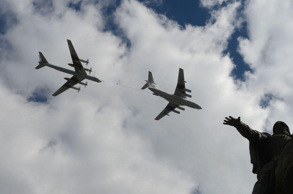 Zkouška vzdušné části přehlídky Vítězství v Moskvě