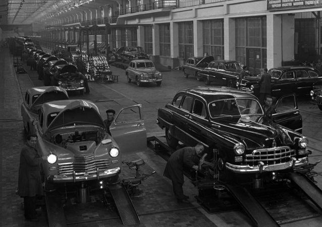 Legendy sovětského automobilového průmyslu