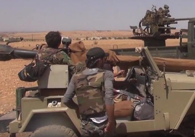 Syrská armáda přebírá kontrolu nad ropovodem u Salamije