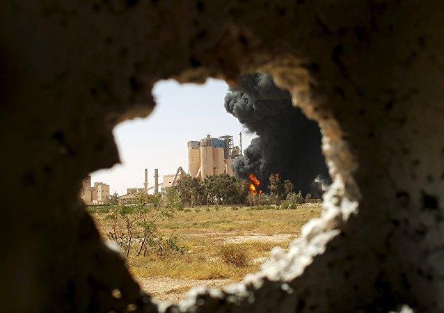 Továrna v Libyi