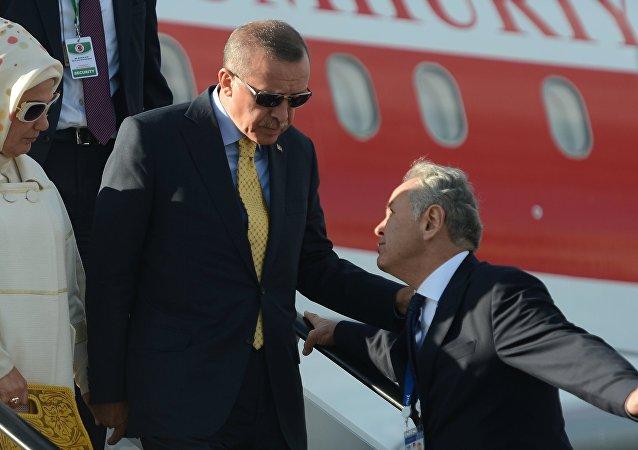 Recep Tayyip Erdogan a jeho manželka