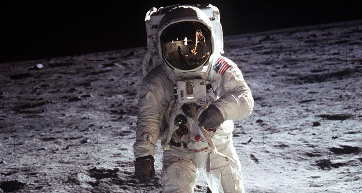 Neil Armstrong a Buzz Aldrin
