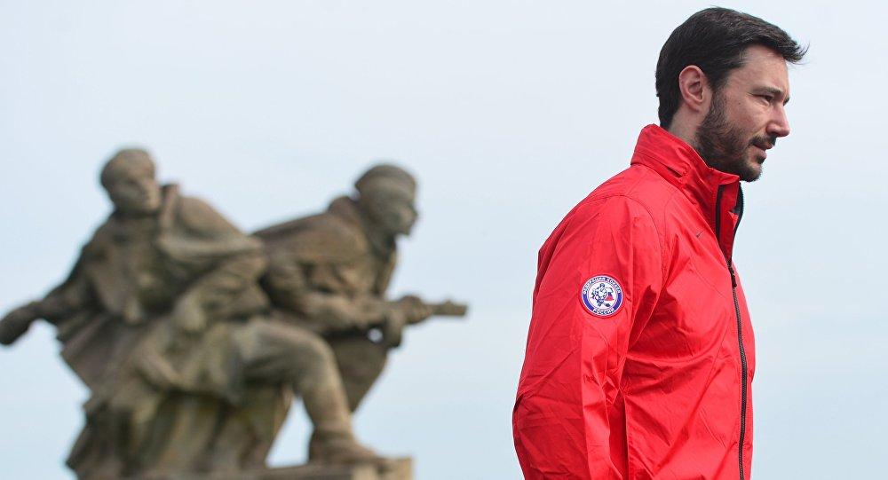 Hokejisté ruské reprezentace položili květiny k Národnímu památníku v Česku