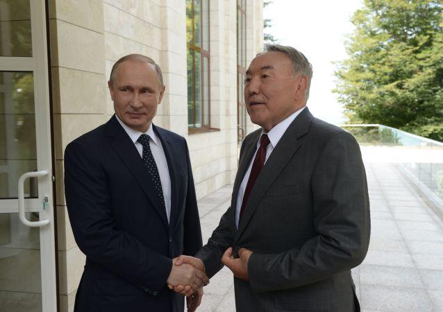 Vladimir Putin a Nursultan Nazarbajev
