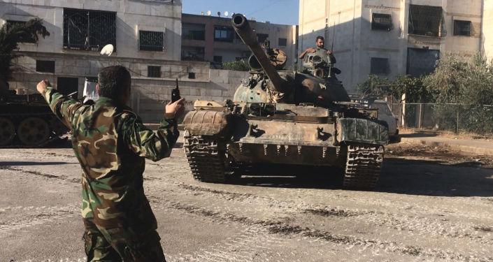 Vojáci syrské armády během útoku na jihozápadě Aleppa