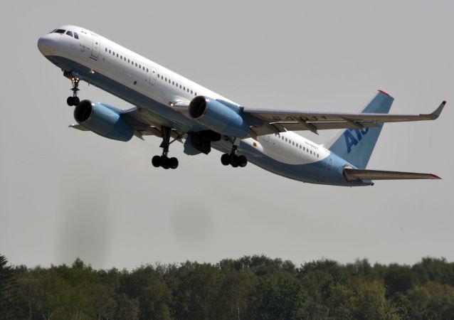 Tu-204 je bez omezení připuštěn k letům do zemí EU a také létá pravidelné linky po celém světě, včetně Severní a Jižní Ameriky.