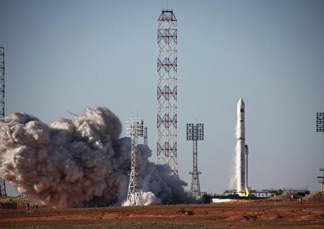 Start nosiče Zenit-3SLBF se satelitem Spektr-R z kosmodromu Bajkonur