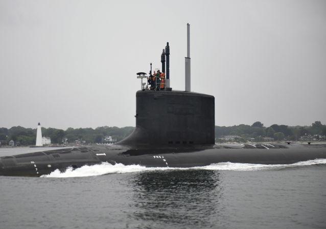 Americká ponorka USS Illinois