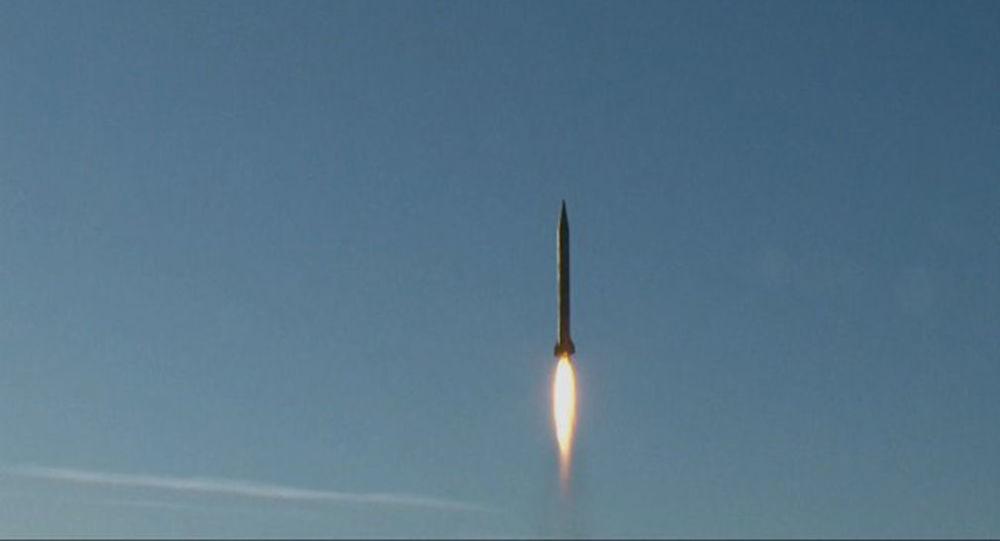 Zkušební let rakety v Íránu. Ilustrační foto