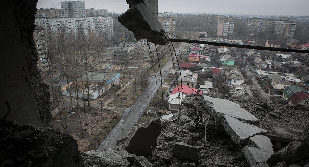 Následky ostřelování Doněcku