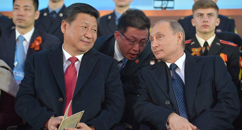 Ruský prezident Vadimir Putin a čínský preyident Si Ťin-pching