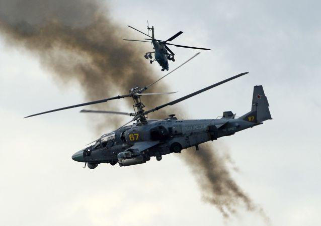 Bitevní vrtulník Ka-52 Alligator během ukázkových cvičeníеском форуме АРМИЯ-2016