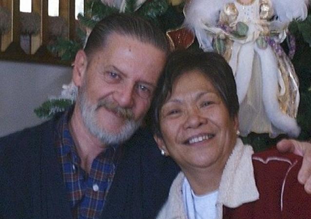 Američan se přiznal, že vykradl banku, aby odešel od manželky