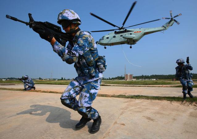 Vojenské cvičení v Číně (Ilustrační foto)