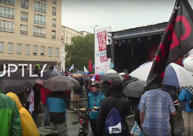 Protesty proti CETA a TTIP v Berlíně