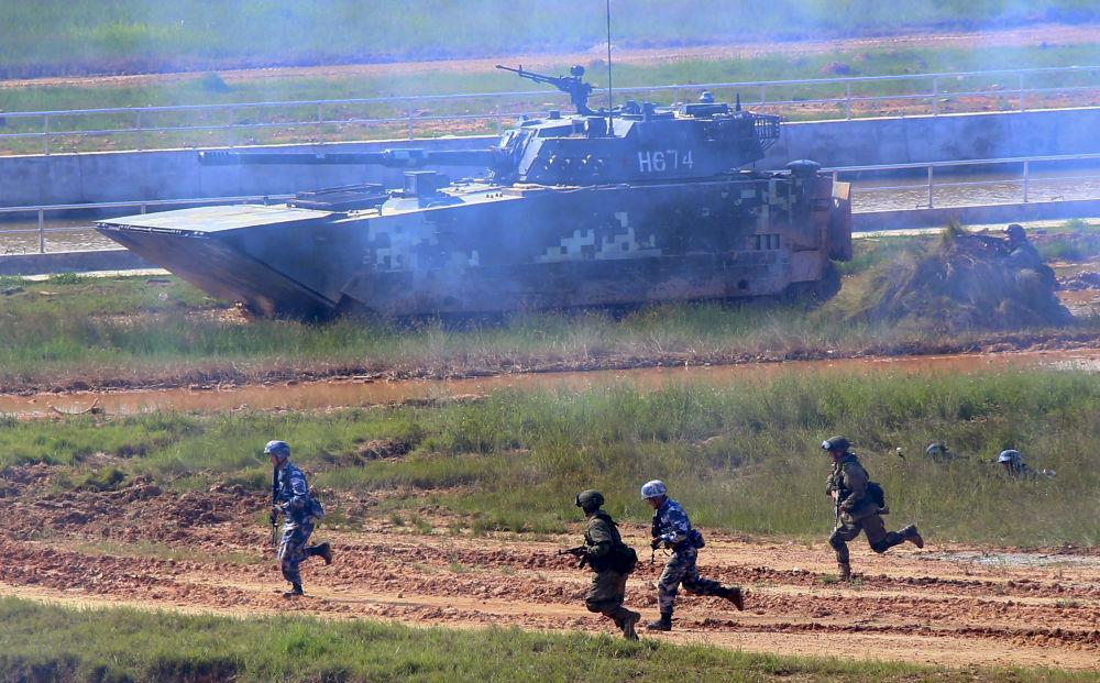 Rusko-čínské vojenské cvičení Mořská součinnost 2016 v čínské provincii Kuang-tung