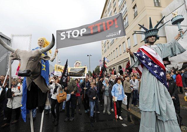 Protesty proti TTIP a CETA v Berlíně