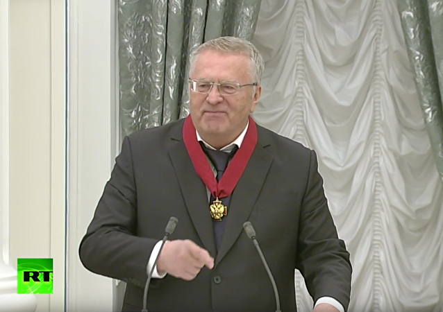 Žirinovskij zarecitoval v Kremlu hymnu Bože, ochraňuj Cara!