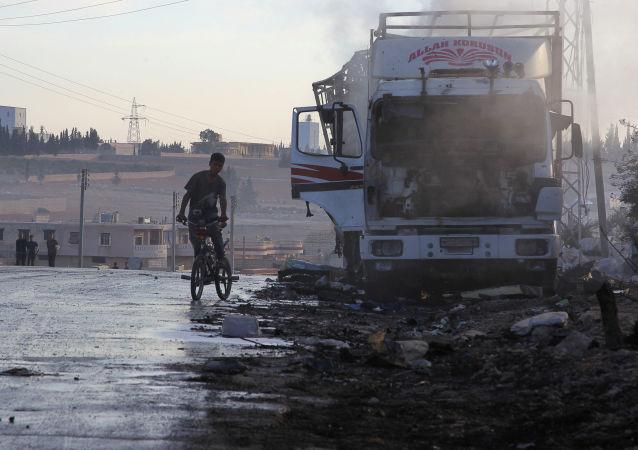 Humanitární konvoj OSN po ostřelování v Sýrii