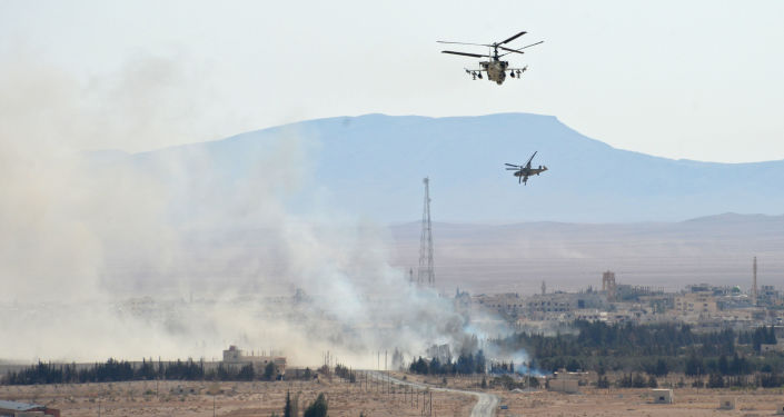 Vrtulníky Ka-52 v okolí syrského města Karajtín.