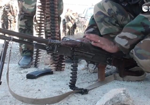 Záběry ze střetů syrských vojáků s bojovníky Džaiš al-Islam ve Východní Ghútě