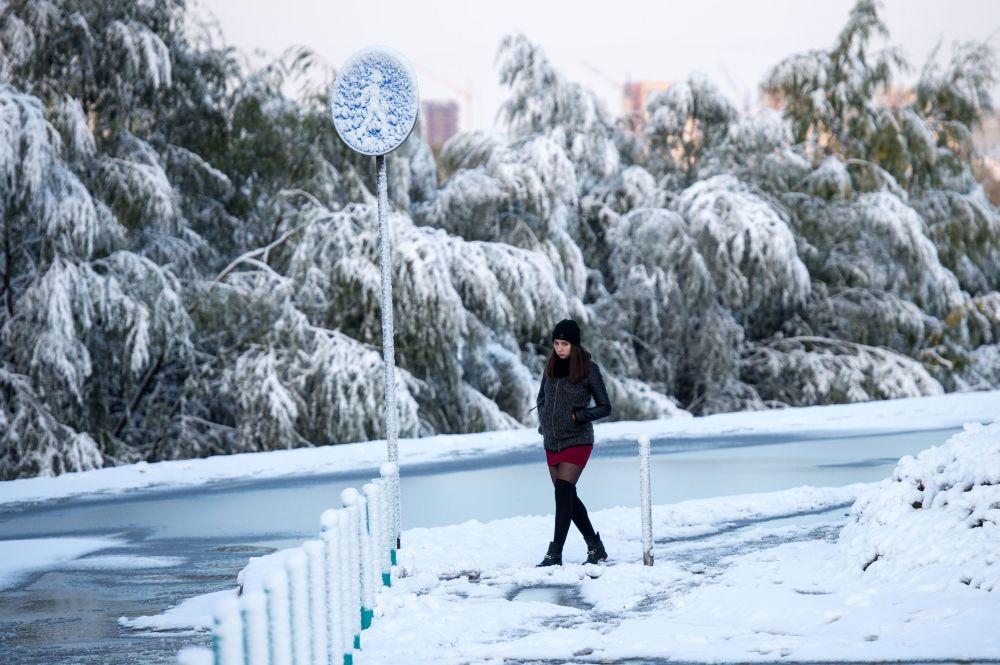 Sněžení v Omsku. Za jeden den tam spadlo rekordní množství srážek za celou dobu meteorologických pozorování od roku 1891
