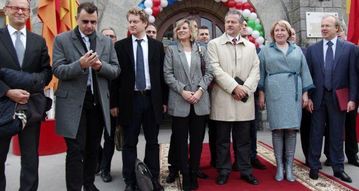 Setkání italské delegace s velením společnosti Massandra na Krymu