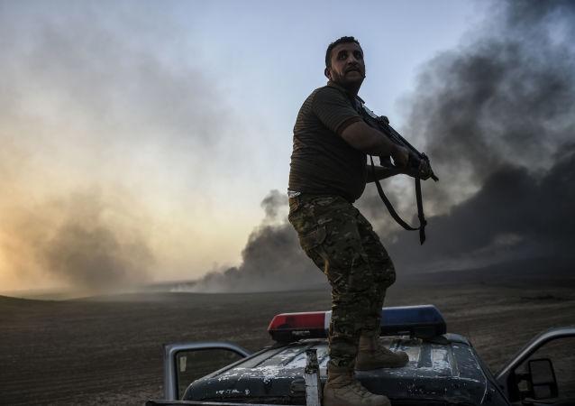 Irácký voják během operace