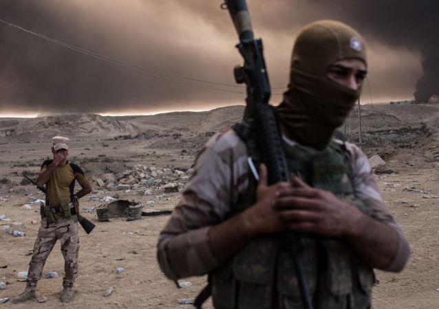 Iráčtí vojáci osvobozují Mosul