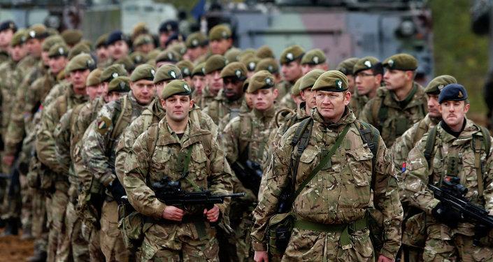 Britští vojáci v Litvě