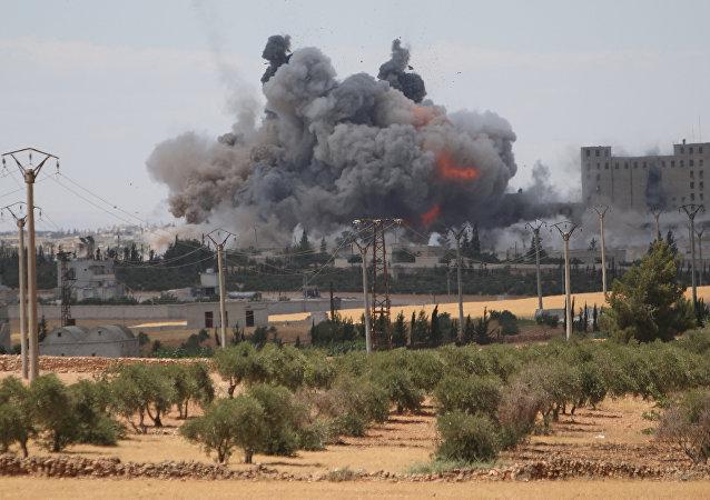 Útok koalice vedené USA v Aleppu