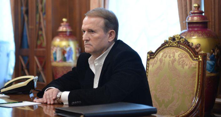 Lídr hnutí Ukrajinská volba – právo národu Viktor Medvědčuk